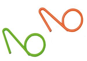 3.5MM Plastic-over-metal YAD Hooks in Green and Orange