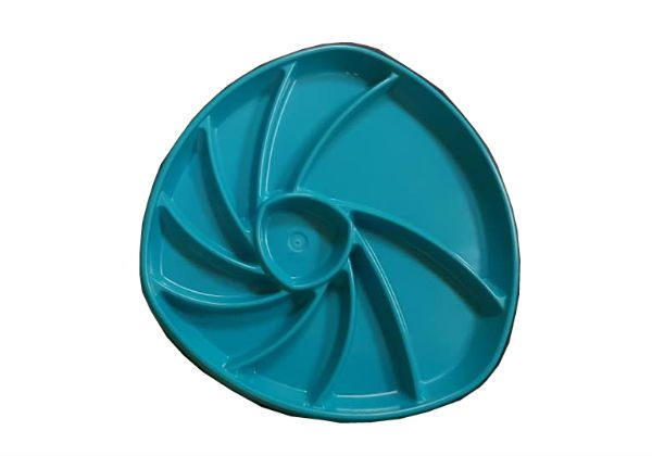 These plastic presentation seafood plates are perfect for plating up a selection of seafood for one or two diners. Available in a range of bright colours.