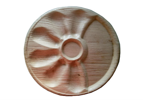 These Palm Leaf Oyster Plates have wells to hold six individual oysters and are a biodegradable & compostable alternative to plastic & Styrofoam dinnerware.