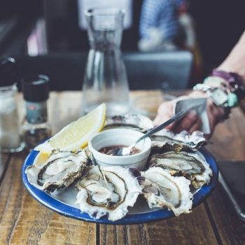 It's always a good time to eat oysters so why not try these delicious oyster recipes? Bon appetit!