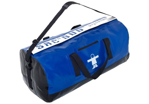 The Sac Duo Bag is perfect for anyone who works (or plays) on the water! The handy double compartment allows you to keep wet clothing separate from dry.